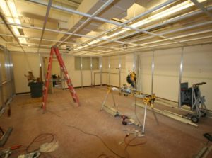 ALUMA1 Wall System Framing - DONN DXWCE Ceiling Grid
